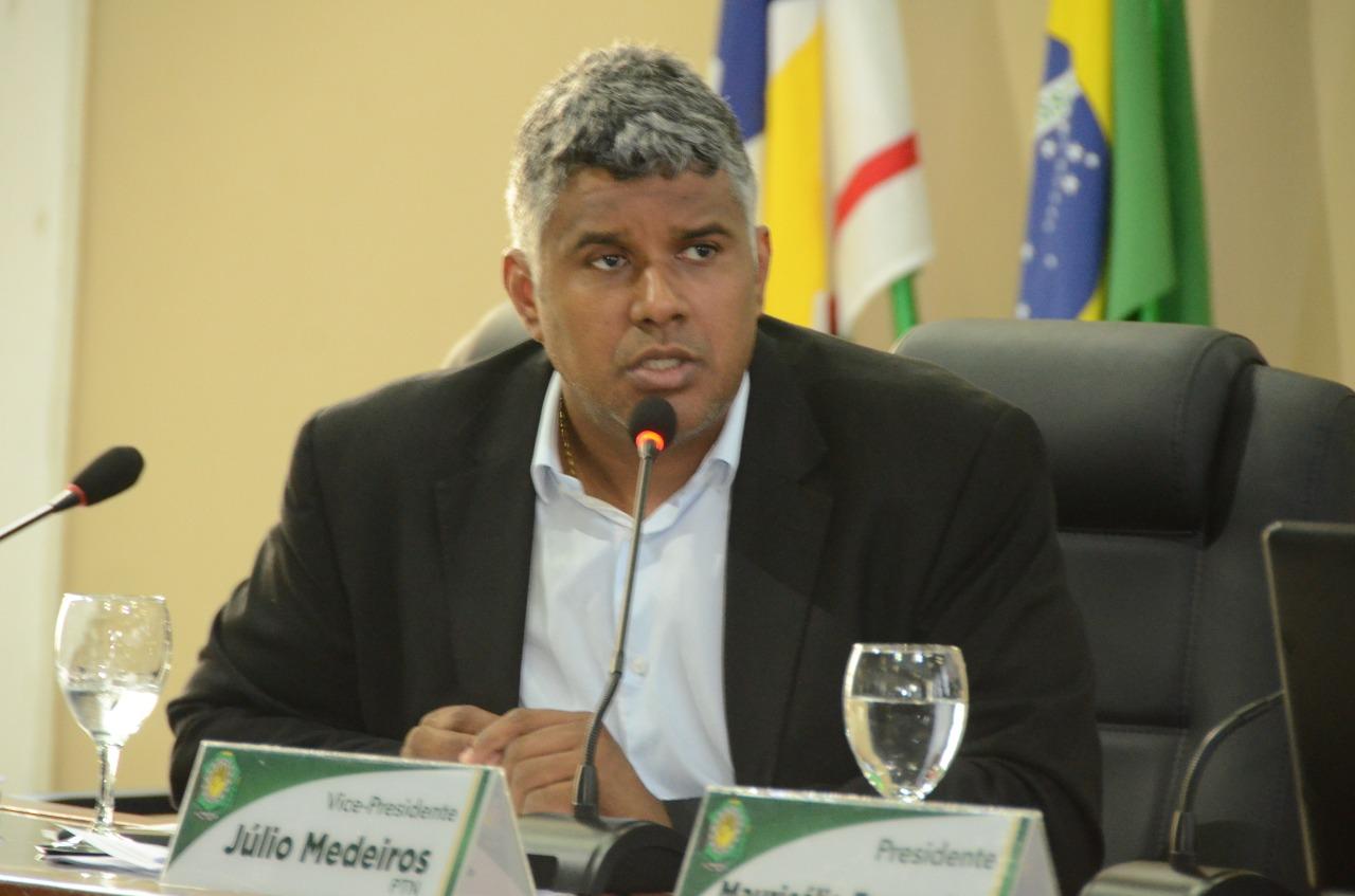 Câmara aprova em 1º turno três projetos do vereador Júlio Medeiros