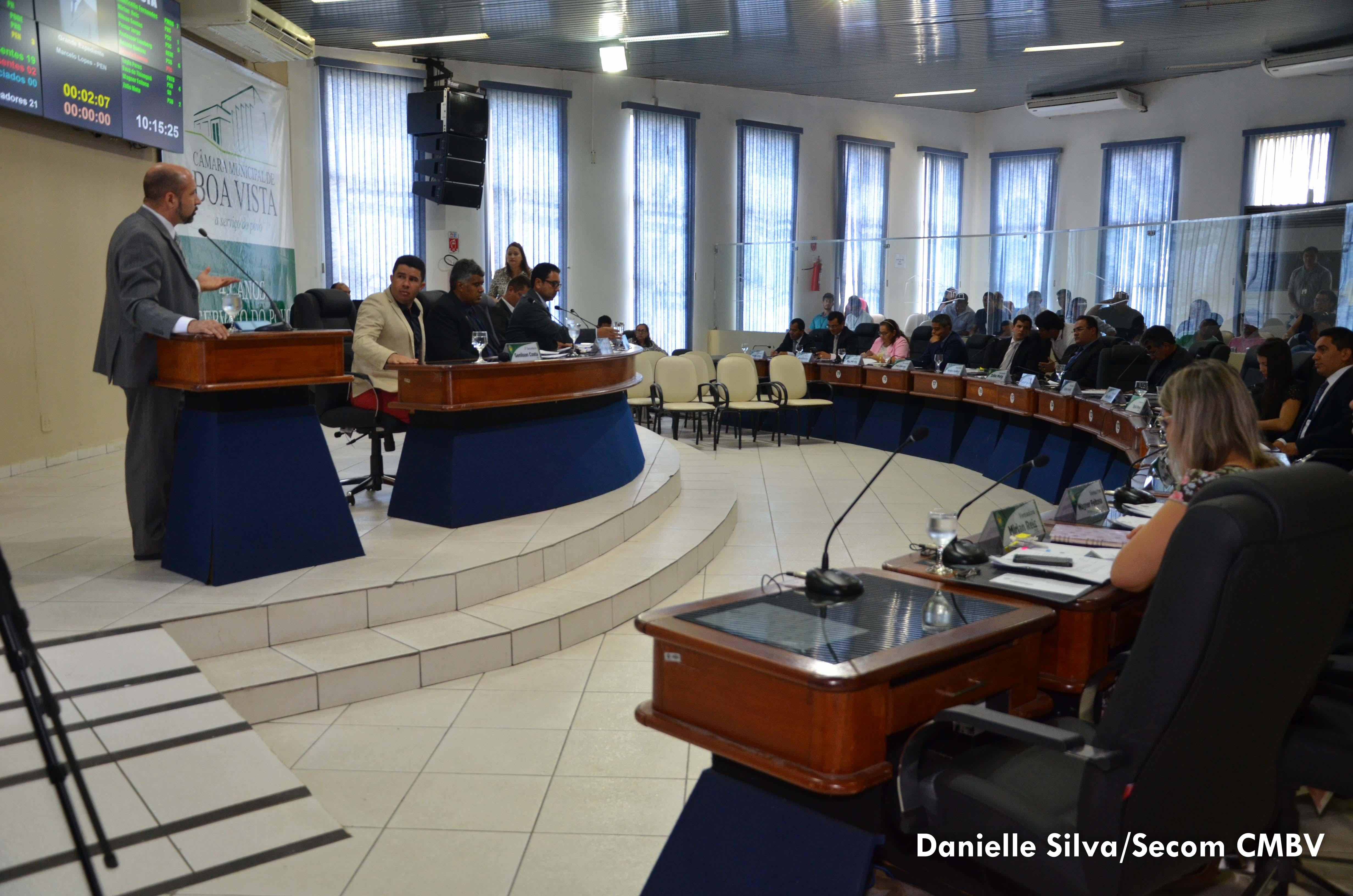 Câmara de Boa Vista aprova dois Projetos de Lei em 1º turno