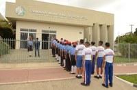 Câmara de Boa Vista recebe alunos do 8º ano do colégio militar Elza Breves de Carvalho