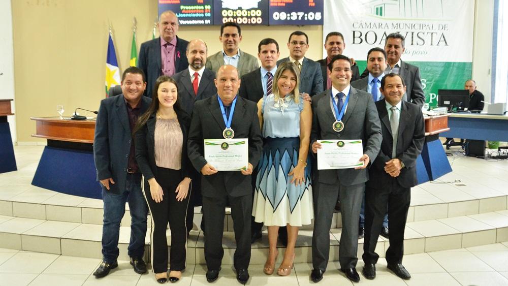 No Dia do Médico, Câmara homenageia os médicos Raimundo Sousa e André Faria e Pessoa