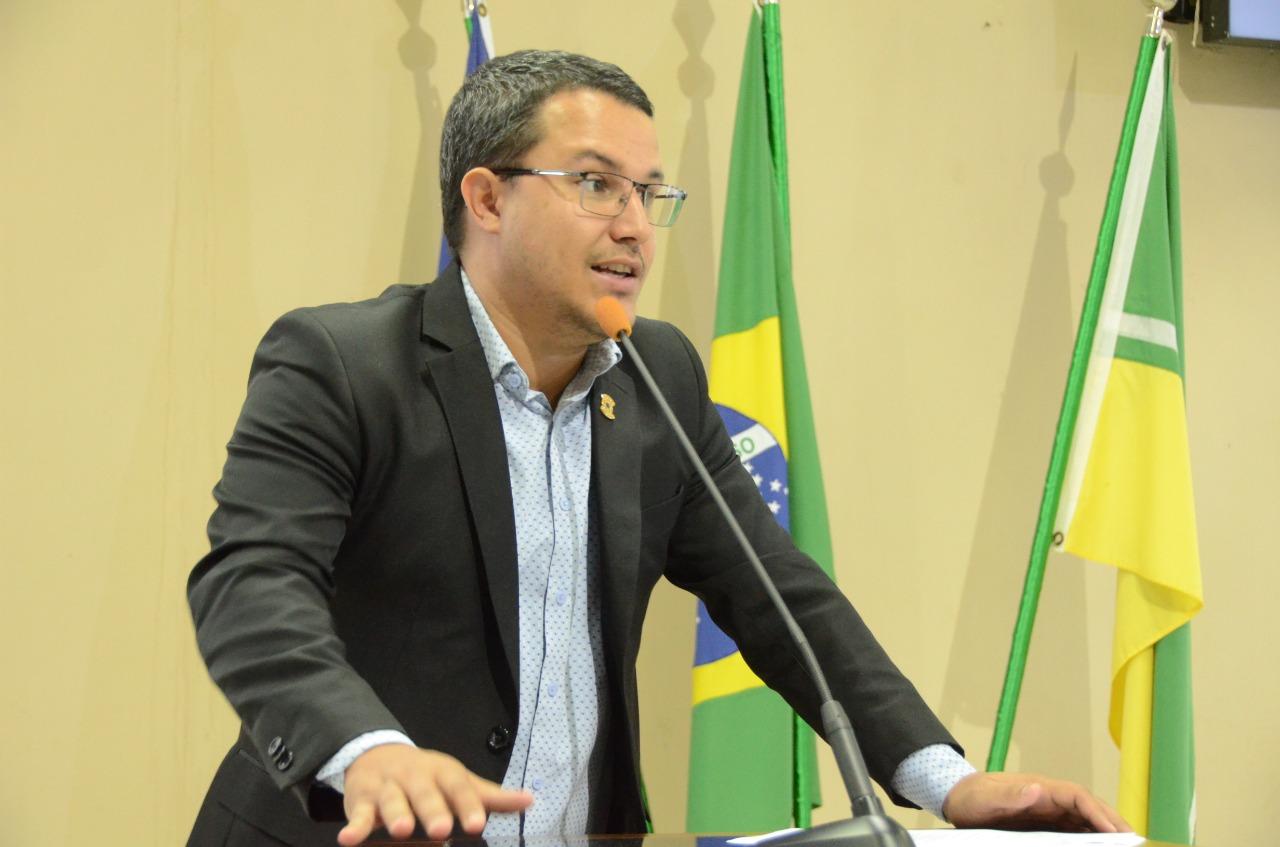 PL do vereador Ítalo Otávio torna obrigatória carteira de vacinação para matrícula na Educação municipal