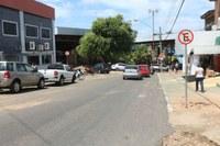 Proibição de estacionamento em rua do Centro prejudica comerciantes, diz Genival