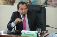 Vereador Pastor Jorge, apresenta indicação e Executivo Municipal atende.