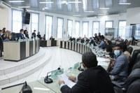 Vereadores  aprovam  projetos do Executivo que revisam orçamento  e prorrogam parcelamento de dívidas dos munícipes