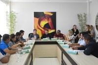 Vereadores recebem governador  para tratar da crise migratória